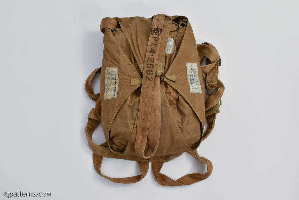 Irvin PX4 parachute pack