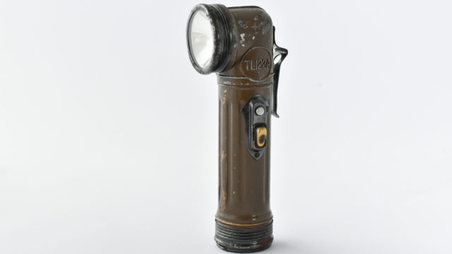 TL-122-A flashlight
