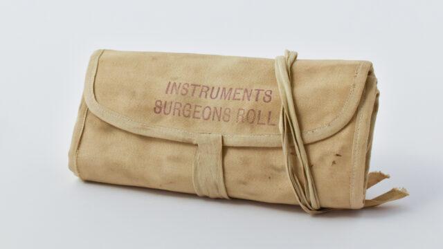 Instruments surgeons roll