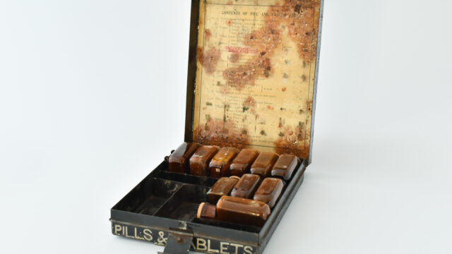 Pills and tablets tin
