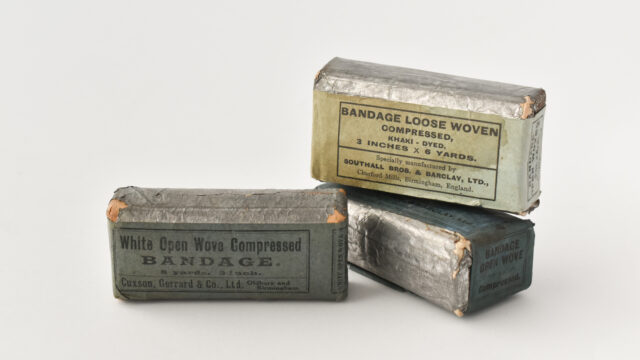Open wove bandages