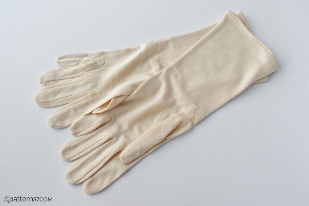 RAF silk gloves